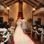結婚式の神父と牧師の違い!誓いの言葉やルール、お礼にも違いはあるの?