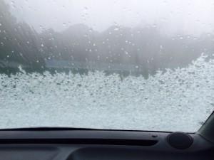 凍結したフロントガラスの画像