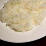 ご飯を炊いたら芯が残って固い!柔らかくする方法はお酒や蒸す!?