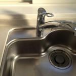 排水溝が臭い2つの原因!対策・掃除におすすめの洗剤は?