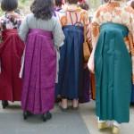 袴にブーツを履くのはなぜ?卒業式に合う男性・女性の靴選びのポイント