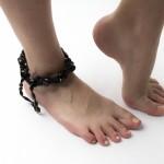 足首がポキポキ鳴る2つの原因!歩くと痛い場合は?