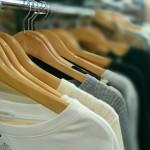 Tシャツ首元がヨレヨレに伸びる!復活方法や広げるためのリメイク方法
