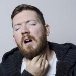 喉仏の違和感!咳や痰、張り付いてる感じがする場合の原因は?